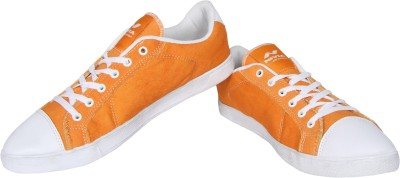 Nivia Tussle Canvas Shoes For Men(Orange) at flipkart