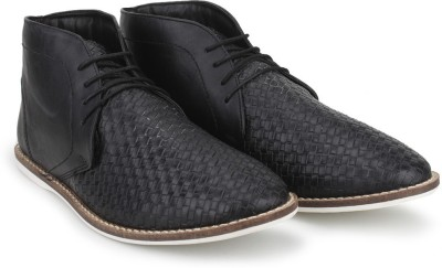 Knotty Derby Thomas Chukka Casuals For Men(Black)