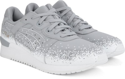 Asics TIGER GEL-LYTE III Sneakers For Men(Grey) at flipkart