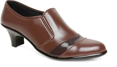 https://rukminim1.flixcart.com/image/400/400/shoe/h/r/z/bsb-701a-39-bare-soles-brown-original-imaeg42fdjpr6dej.jpeg?q=90
