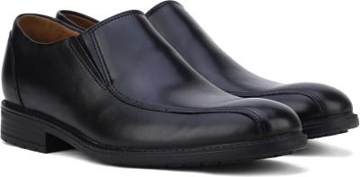 Clarks Lace Up Shoes(Black) at flipkart