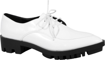 Truffle Collection Fhara4 White Casual Shoes(White)