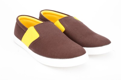Andrew Scott Canvas Shoes For Men(Brown) at flipkart