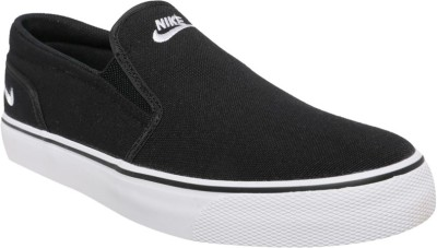 Nike 724762-015 Canvas Shoes For Men(Black, White) 1