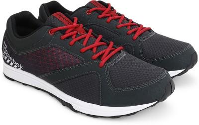 Reebok REEBOK TRAIN Men Training & Gym Shoes(Black, Red) at flipkart