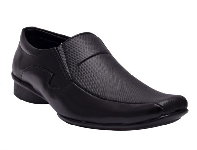 Sir Corbett Orchid Slip On For Men(Black) at flipkart