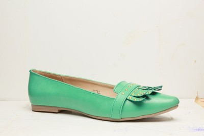 Bata YARA Bellies(Green) at flipkart