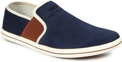 Spunk Dart Sneakers(Navy) at flipkart