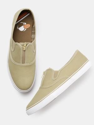 Kook N Keech Sneakers For Men(Brown) at flipkart