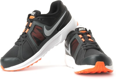 new style 778c6 4f2fe Nike 647345-002 Men Black And Orange Revolve Sports Shoes- Price in India