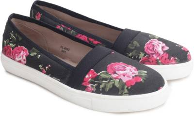 Carlton London Miss CL Canvas Shoes