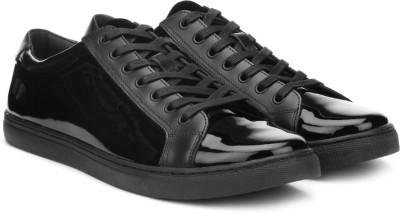 Kenneth Cole Sneaker For Men(Black) at flipkart