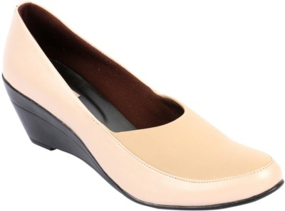 https://rukminim1.flixcart.com/image/400/400/shoe/w/t/f/beige-5024-indulgence-35-original-imaek5dbhdy2zjny.jpeg?q=90