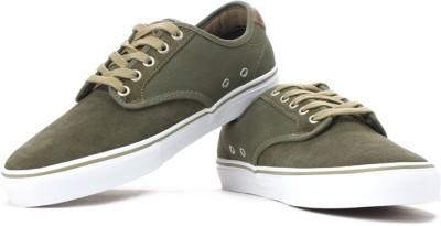 02900a98038 46% OFF on VANS Men Sneakers(Green) on Flipkart