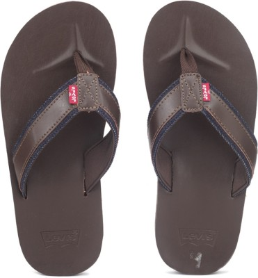 Levi's Jurupa Flip Flops at flipkart