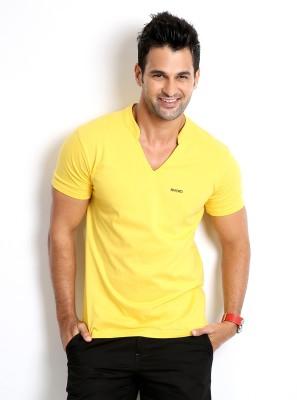 Rodid Solid Men's V-neck Yellow T-Shirt at flipkart
