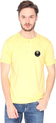 Campus Sutra Solid Men Henley Yellow T-Shirt