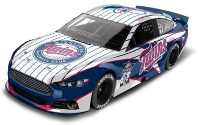 Lionel Racing Minnesota Twins Major League Baseball Hardtop Diecast Car, 1:64 Scale(Multicolor)