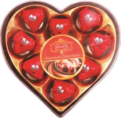 Skylofts Romantic Heart Box with a cute teddy Chocolate Bars
