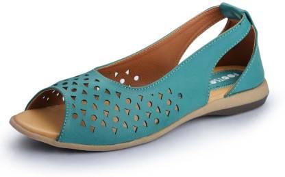 Footsoul Women Green, Beige Flats