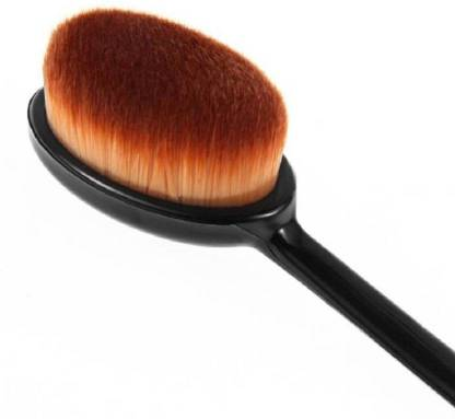Garry's Foundation oval brush
