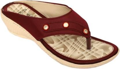 Dolphin Miles Women Maroon Wedges
