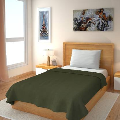 IWS Solid Single Fleece Blanket  (Polyester, Green)