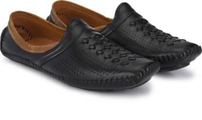 Walkstyle Mojaris For Men