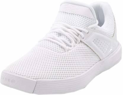 shoe Basketball Shoes For Men(White, Black)
