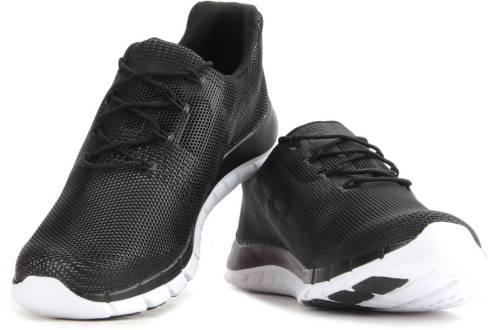 Velocidad supersónica Chapoteo poetas  Reebok Zpump Fusion Pu Running Shoes Men Reviews: Latest Review of Reebok  Zpump Fusion Pu Running Shoes Men | Price in India | Flipkart.com
