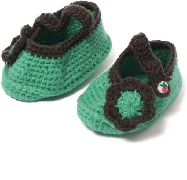 9864a8fc4 Fringed Footwear Baby Girls - Buy Fringed Footwear Baby Girls Online ...