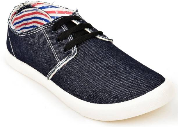 a5dc40fb0a154 Sneakers - Buy Sneakers for Men and Women s Online at India s Best ...