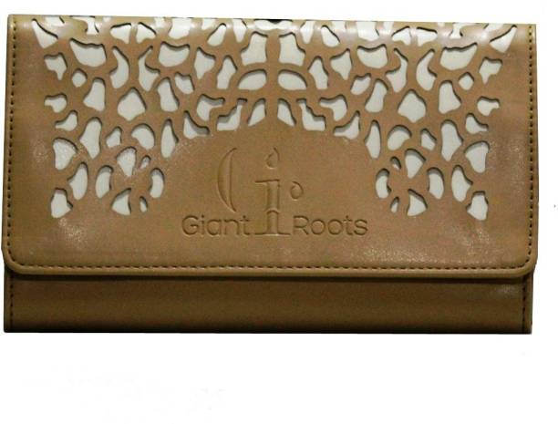 Giant Roots Casual Beige Clutch