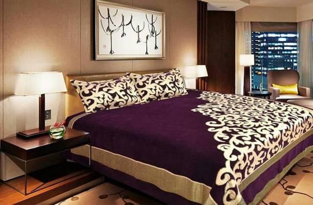 beleza furnishing Velvet Double Printed Bedsheet