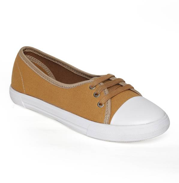 dd6bf8ccd891d3 Bruno Manetti Canvas Shoes For Women