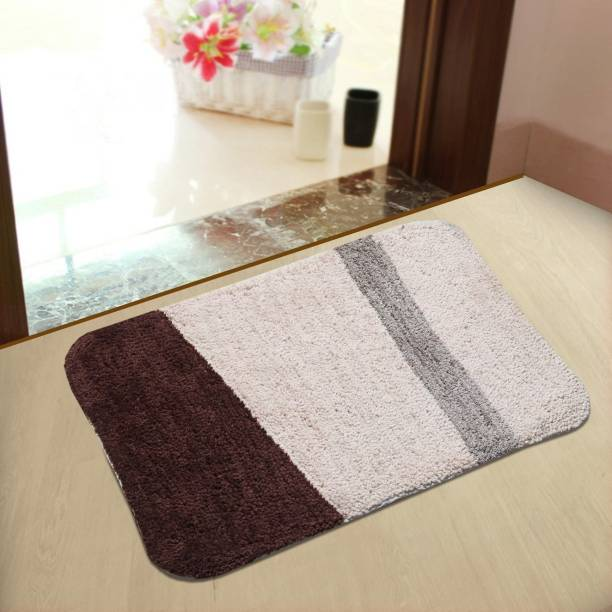 YELLOW WEAVES Microfiber Bathroom Mat