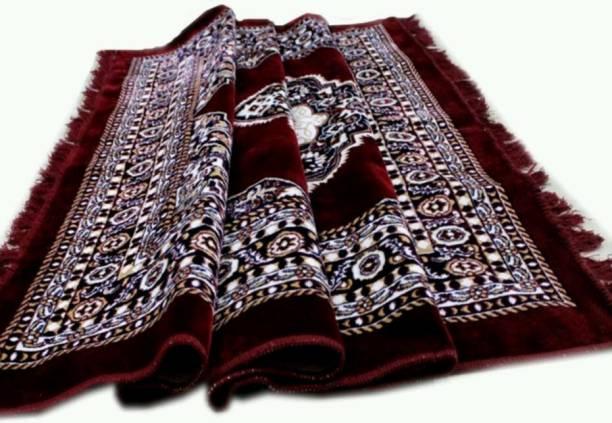 MACHROLI GREENS Maroon Velvet Carpet