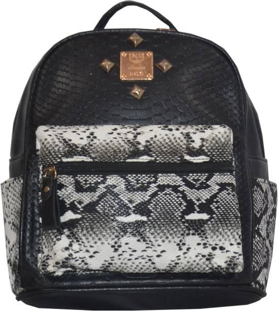 b2a9b1f22bd2 Nike School Bags - Buy Nike School Bags Online at Best Prices In ...