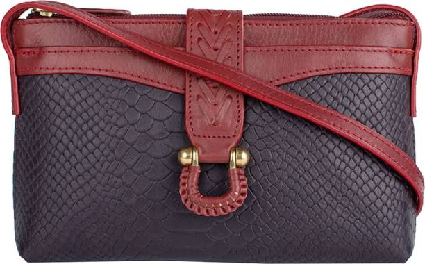 Clutches - Buy Clutch bags   Clutch Purses Online For Women at Best ... f8b55509a30