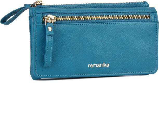 Remanika Casual Blue Clutch