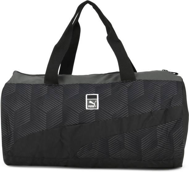 b5ea50c9a334 Purple Duffel Bags - Buy Purple Duffel Bags Online at Best Prices In ...