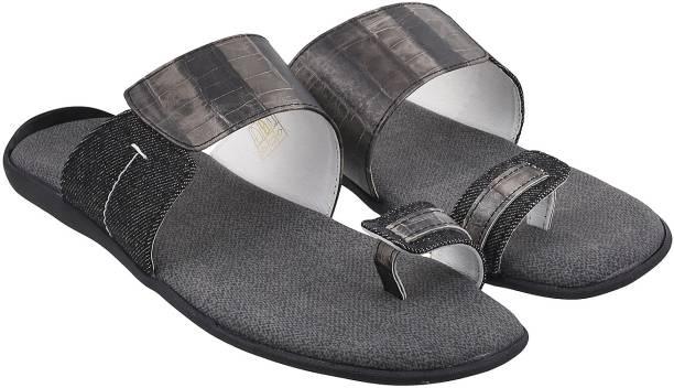 9696a304eb0 Metro Footwear - Buy Metro Footwear Online at Best Prices in India ...