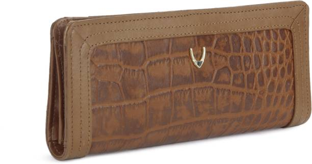 b717d4331 Clutches - Buy Clutch bags & Clutch Purses Online For Women at Best ...