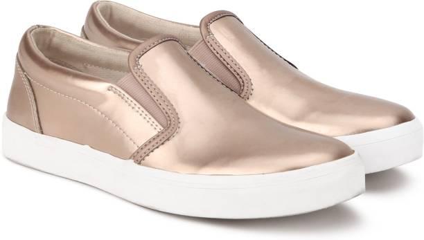 CLARKS Girls Slip on Sneakers