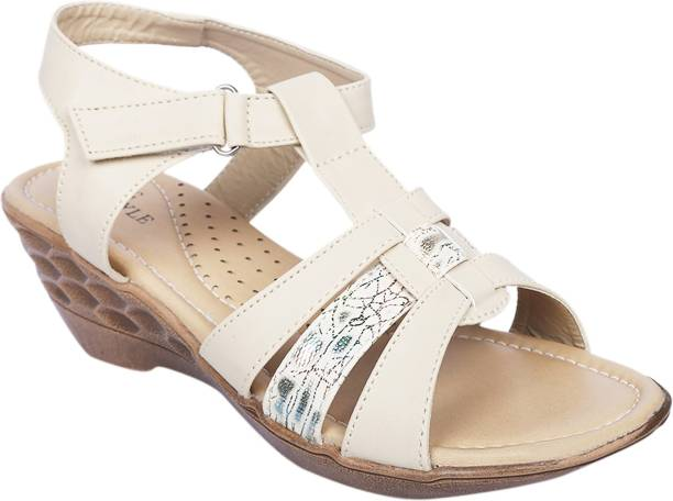 LNG Lifestyle Cream Flats buy cheap cost sale latest collections fashion Style for sale kDnCSS4