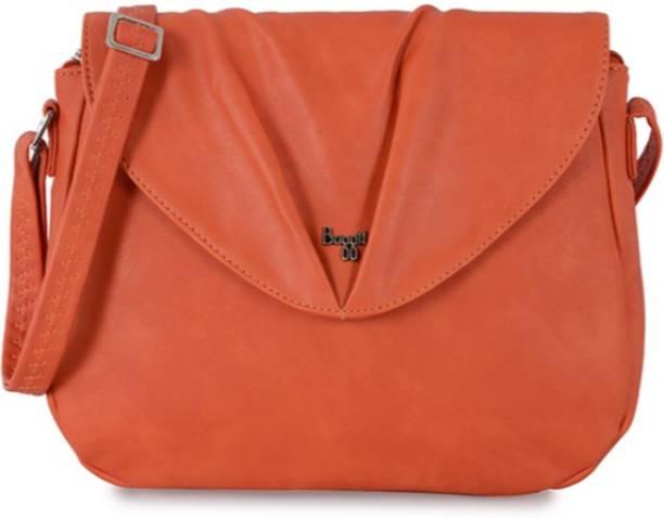 Baggit Sling Bags - Buy Baggit Sling Bags Online at Best Prices In ... 88d067522f22b