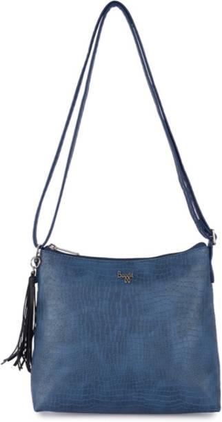 ea12aaece59d Baggit Sling Bags - Buy Baggit Sling Bags Online at Best Prices In ...