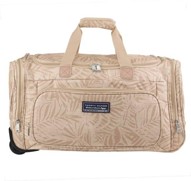 4552f9efc843 Black Duffel Bags - Buy Black Duffel Bags Online at Best Prices In ...