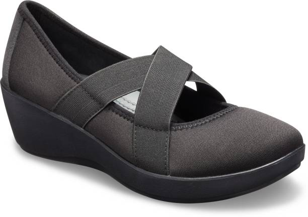 b08ccf9cbab32 Crocs Wedges - Buy Crocs Wedges For Women Online at Best Prices in ...
