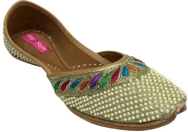 878af87bf3eb Step N Style Indian Shoes Punjabi Jutti Bridal Shoes Khussa Shoes Mojari  Saree Juti Jutis For
